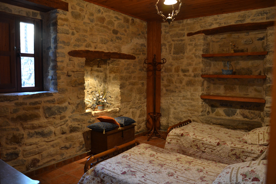 Los calderones de piedrasecha galer as fotogr ficas for Paredes decoradas con madera